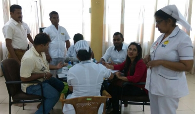 Nawaloka Hospitals offers free medicine and medical services for flood victims in Rathnapura District