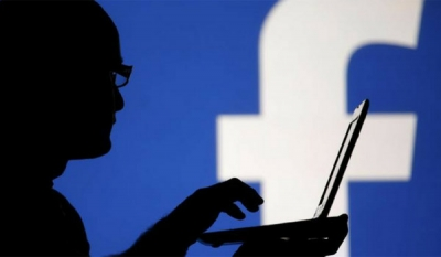 Facebook to tackle online extremism with free ads for anti-terror groups