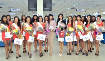 Miss Sri Lanka for Miss World finalists visit Arpico Supercentres