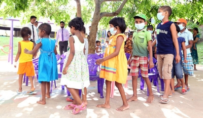 GLITZ celebrates Children's Day at Maharagama Apeksha Hospital (video)