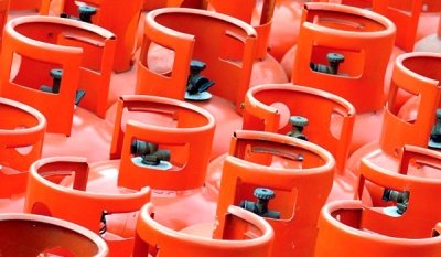 Asia LPG prices hit over 2-year low on weak crude, regional glut
