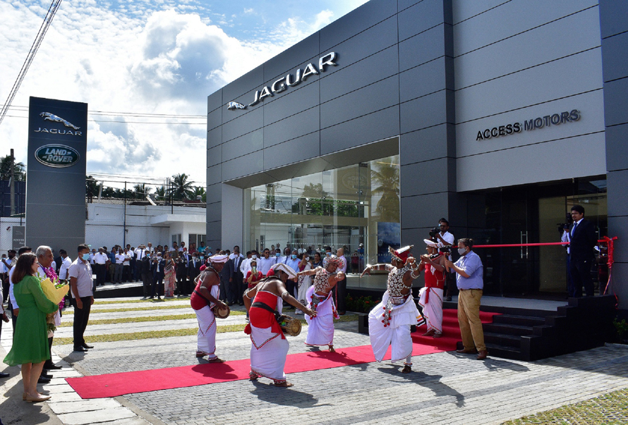 Jaguar Land Rover Exceeds Expectations with new 3S Facility and State of the art Body shop