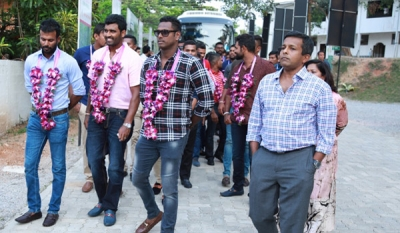 "Angelo Mathews and the Team Visits ""ARIYANA"" - Sri Lanka's 1st Resort Apartment Project by Home Lands Skyline"