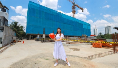 Bollywood superstar and Iconic Galaxy home owner Jacqueline Fernandez endorses easy payment offer