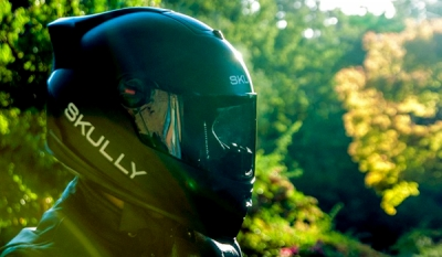 The Skully Smart Motorcycle Helmet Sharpens Your Senses On The Road