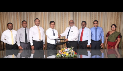 Commercial Bank & Sathosa Motors in special promotion for Isuzu commercial vehicles